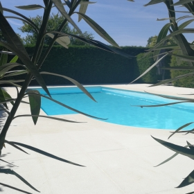 Moleanos tegels en zwembadboorden